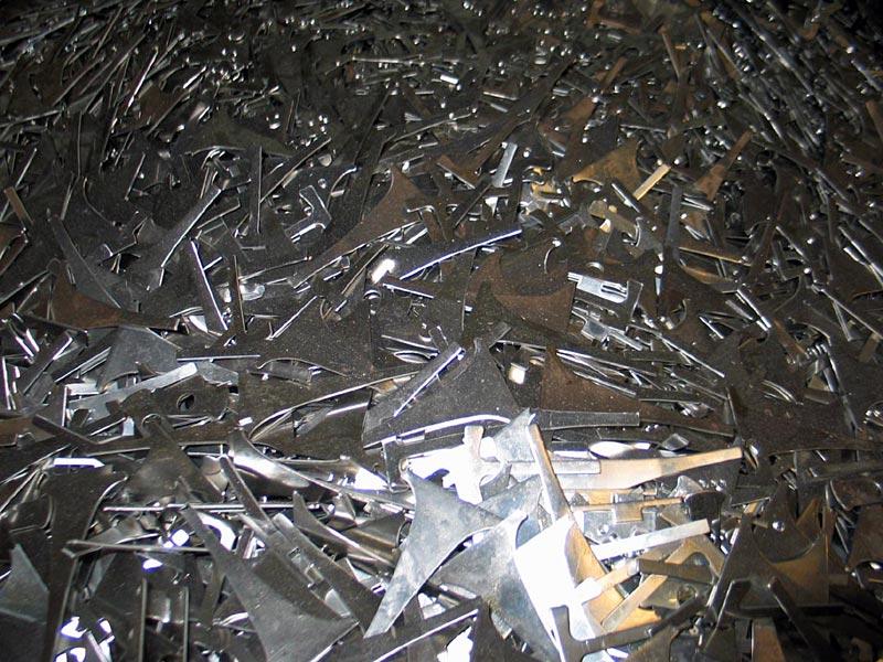 Ötvözött acél saválló hulladék